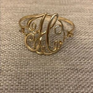 Jewelry - Women's H initial bracelet